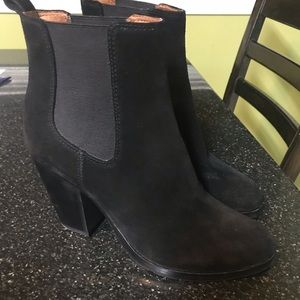 Frye Tate Chelsea Boots